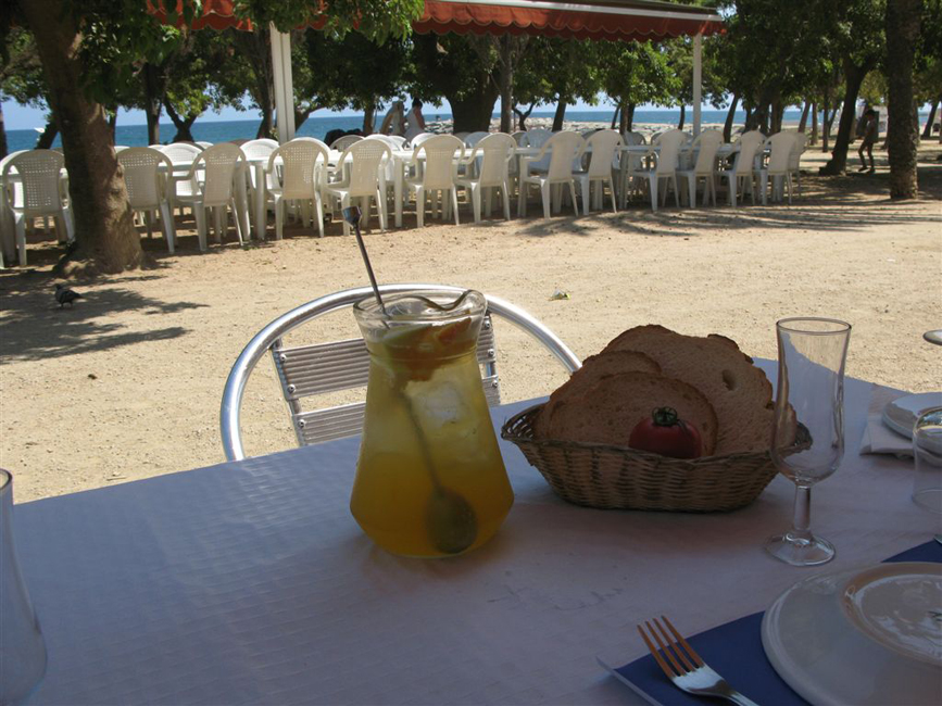Cava Sangria in Chiringuito after the tour momment